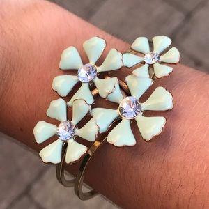 Charming Charlie flower bracelet